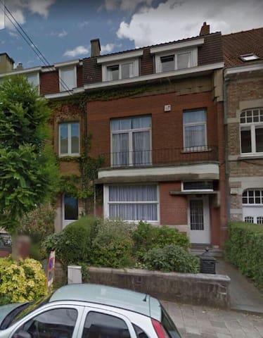 Chambre 17m² dans maison à Uccle, Bruxelles