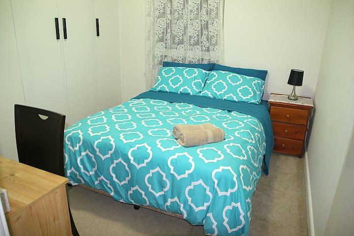 6. Queen Room near Epping station, Sydney 20 min