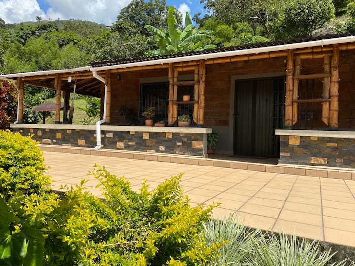 Andean Country Getaway, House and Couples Cabin