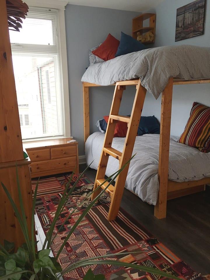 Single bunk bed room - Riverdale Temenos