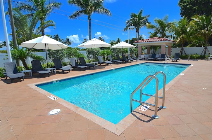 "By The Sea Vacation Villas LLC- ""Villa SBV33"" - Pompano Beach - Villa"