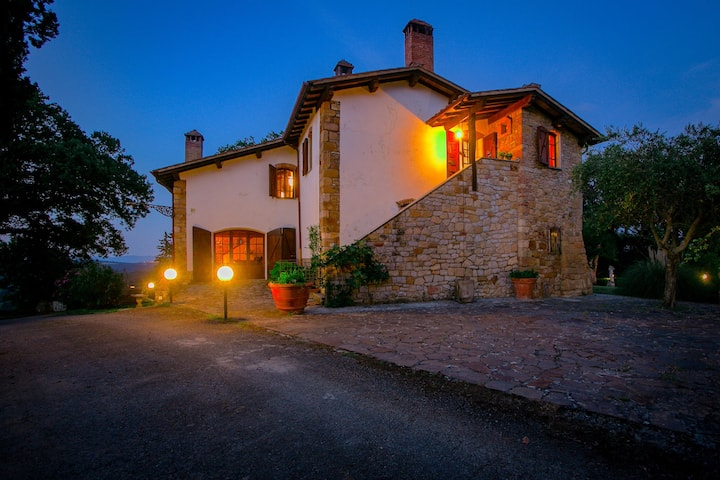 Villa de lujo en Asciano, Toscana con piscina