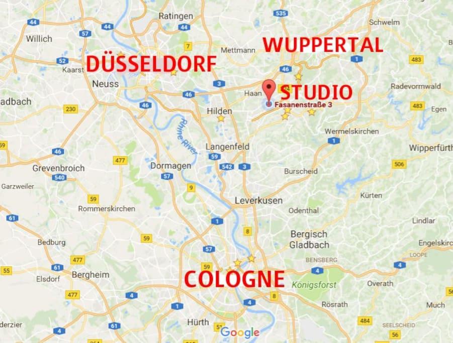 Das Studio ist in Solingen-Wald. Ca. 30-45 Minuten mit PKW von Düsseldorf oder Köln entfernt (verkehrsabhängig). Mit ÖPNV etwa 50 Minuten zum jeweiligen HBF.