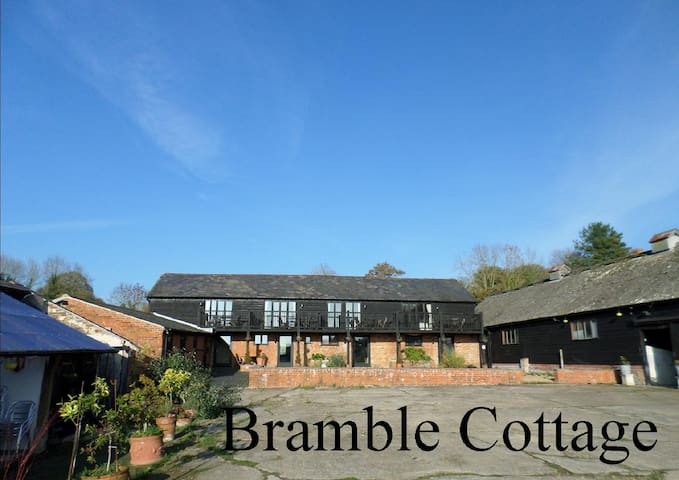 Bramble Cottage at The Old Barns - Test Valley District - Casa