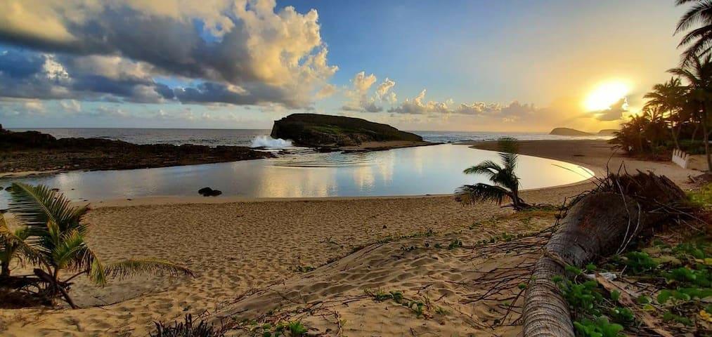 Casa de Playa Hernandez Steps away from the beach!