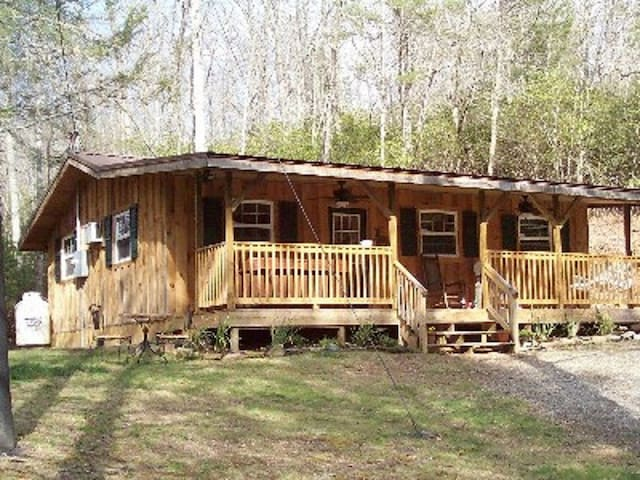 Grandmas Cabin on 5 private acres - Black Mountain - Cabaña