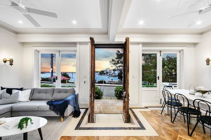 Luminous Elegant 2 Level Apartment in Manly