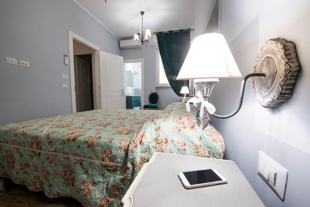 Bedroom 1 : a/c in room
