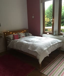Beautiful Flat with Snooker Room and Jacuzzi Bath - Galashiels