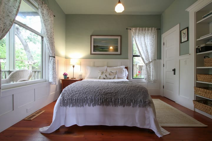 Sweet Room in 1905 Sebastopol Bungalow - Sebastopol - Hus