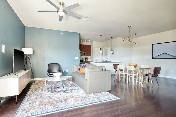 Sonder   Pearl District   Sun-Filled 2BR + Balcony