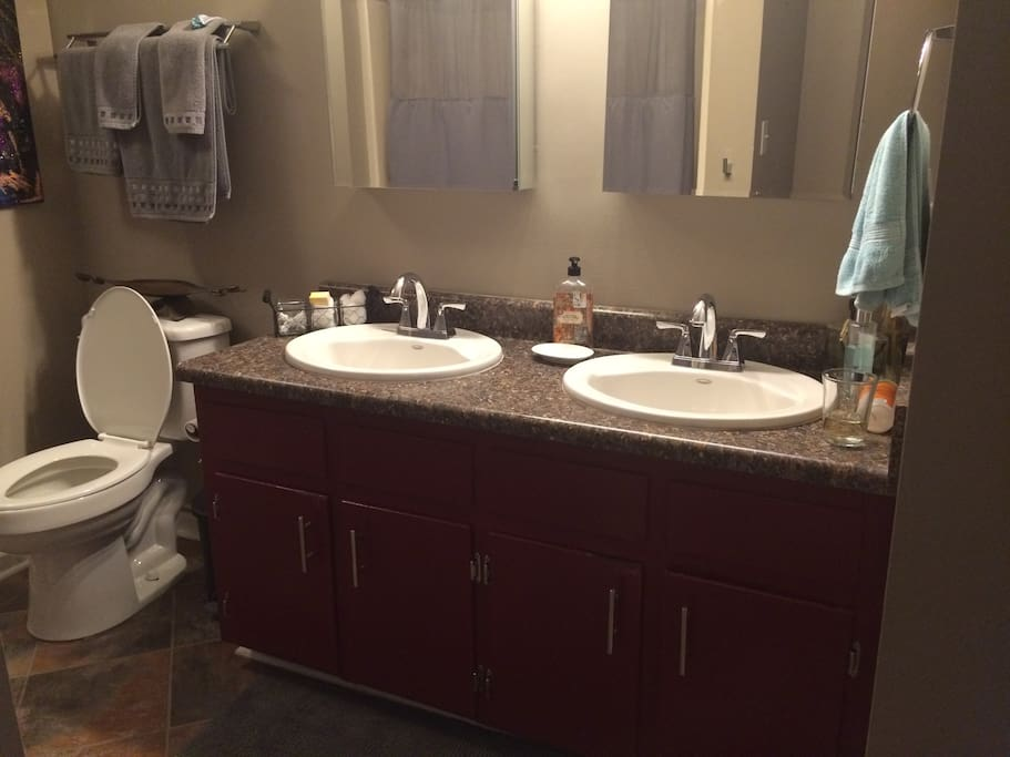 Double-sink in the bathroom