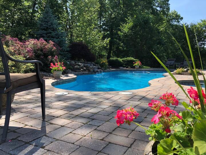 Bucks County Retreat - Pool View Room