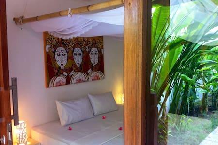 Rumah Cahaya - Frangipani Suite