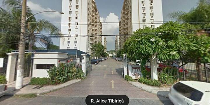 Quarto casal - condomínio - Vila da Penha