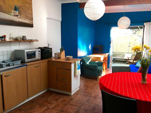 Spacious apartment in a safe, beautiful area