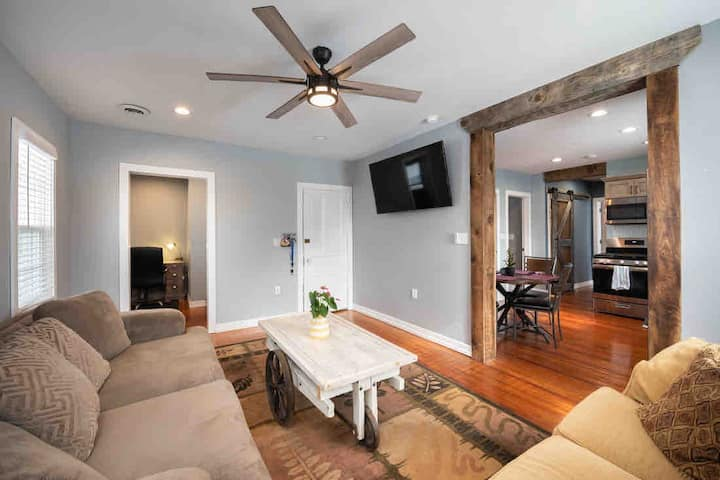 Rustic Renovation | Modern Touch | ❤️ of Downtown