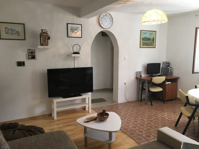 Ap. Angie - 2Bedroom Apartment with Terrace