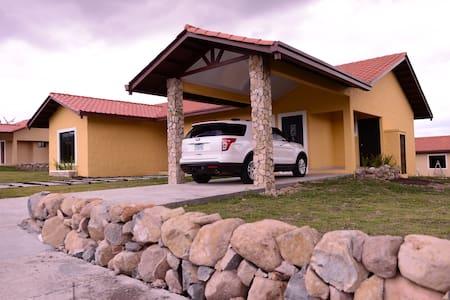 Villas Deluxe HLM