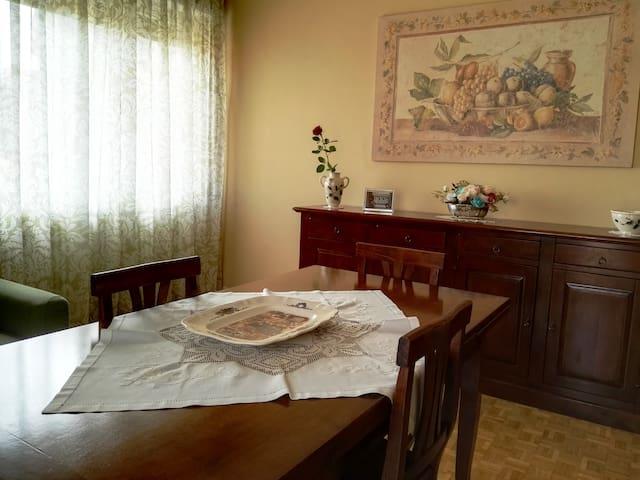 Comodo appartamento a 2 passi dal lungolago - Arona - Appartamento