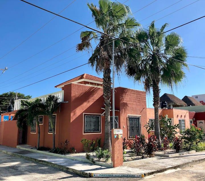 Casa Las Palmas with Pool & Rooftop! Walk to Beach