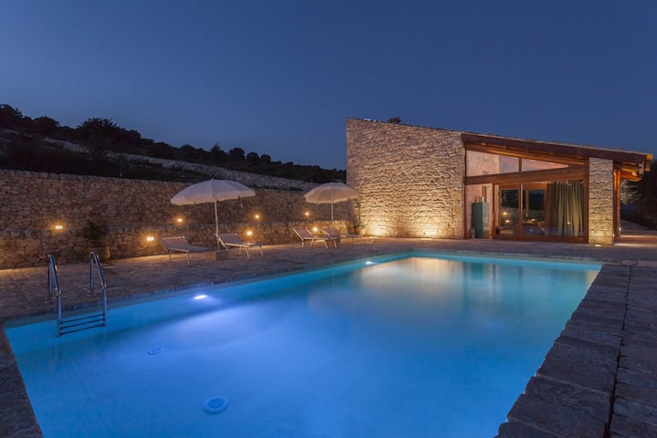 Gisolfo, villa  with pool and view