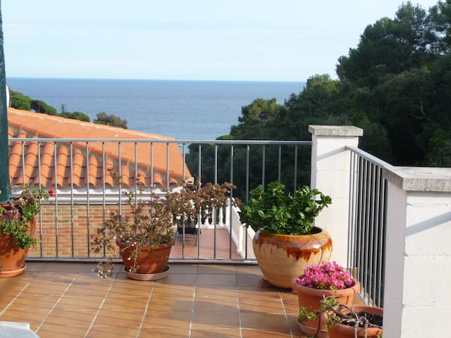 House with a lovely view to rent - Tossa de Mar - House