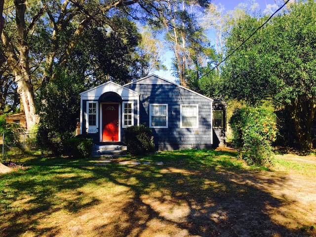 Beautiful Home Near the River! - Jacksonville - House