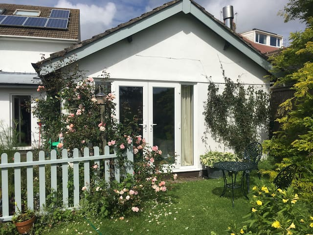 Garden Studio with private entrance