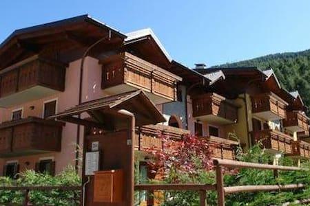 Trilocale Aprica 6 posti + box - San Pietro - Apartamento
