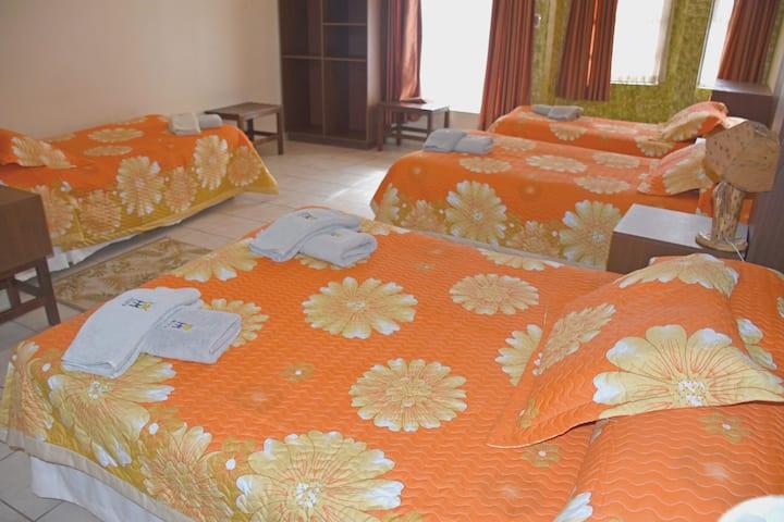 Hotel Mitru: Habitación familiar (5 personas)