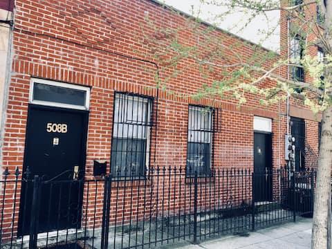 Brooklyn Flat in prime Carroll Gardens (Room)