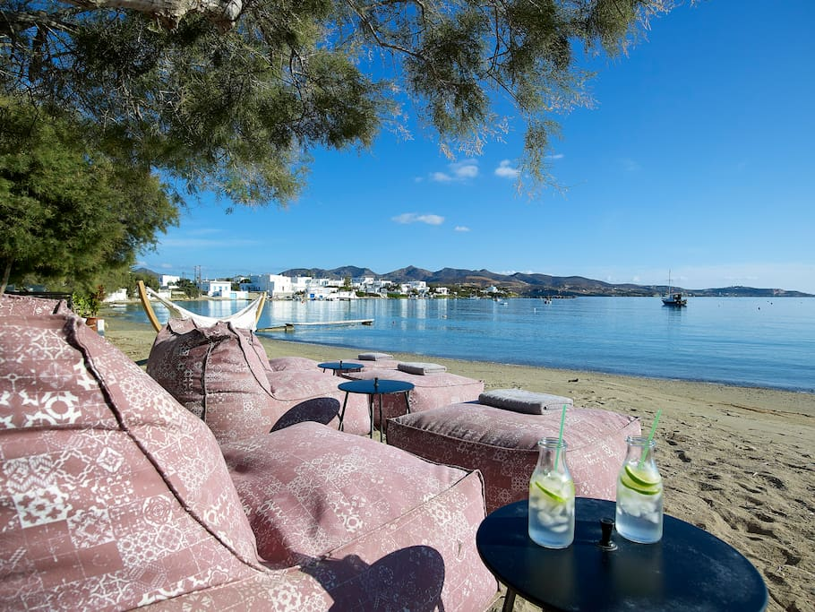 Your private area on the beach with sunbeds!!
