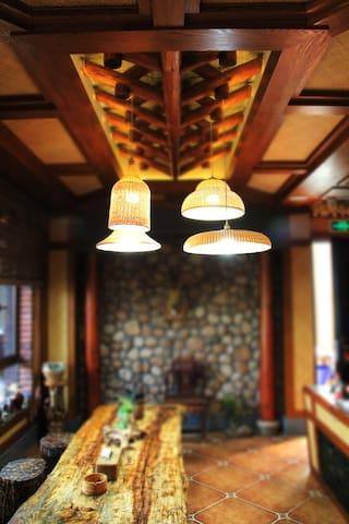 安吉南山小坞民宿,靠近市区的田园安逸,超大院子,近hellokitty主题乐园 - Huzhou
