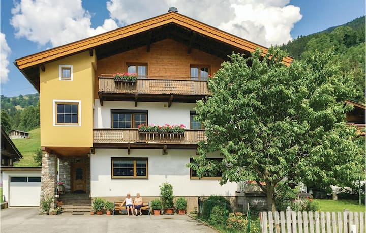 Nice home in Stumm with WiFi and 3 Bedrooms