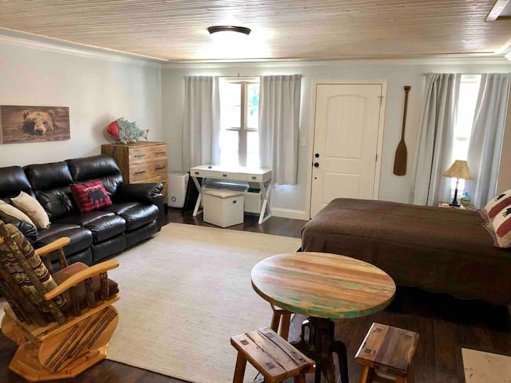 Beary Comfy Retreat Condo at Cades Cove Landing120
