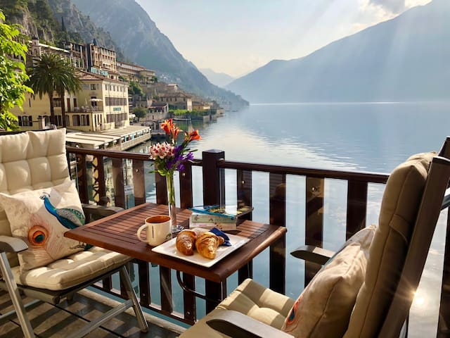 APARTMENT BOUGANVILLE LIMONE SUL GARDA