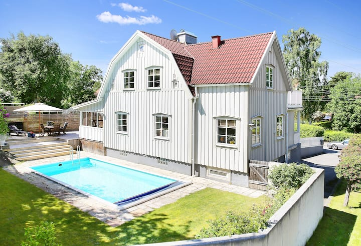 Lovely Home With A Swimming Pool Houses For Rent In Stockholm Stockholms Län Sweden