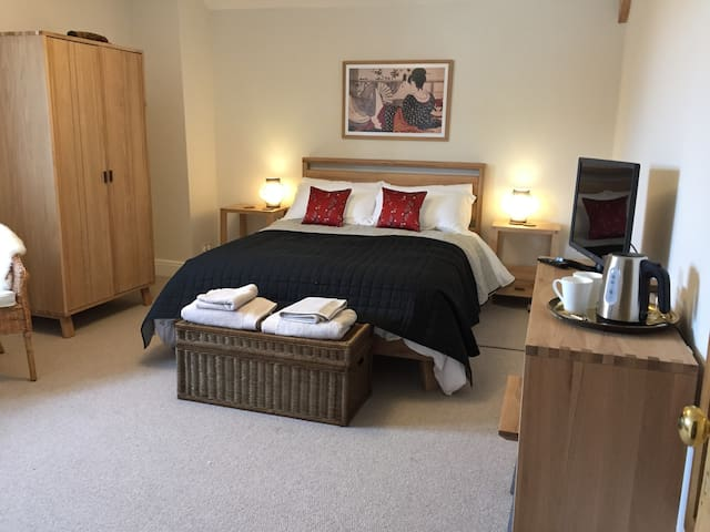 Japanese Room deluxe ensuite in Somerset farmhouse