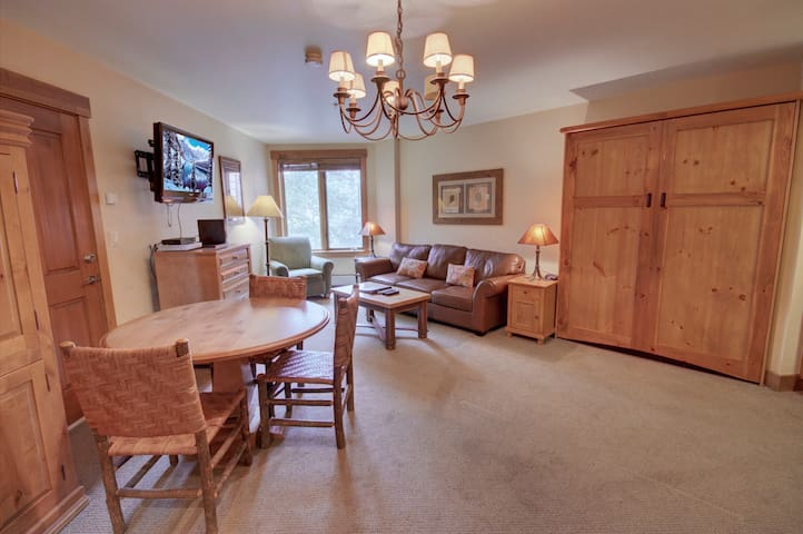 Living space perfect for entertaining