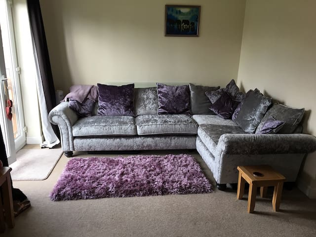 One bed flat in Chorlton; 15 mins out of the city