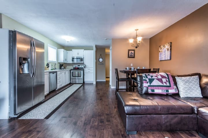 Stylish Downtown 2 Bedroom Apt. - St. John's - Apartment