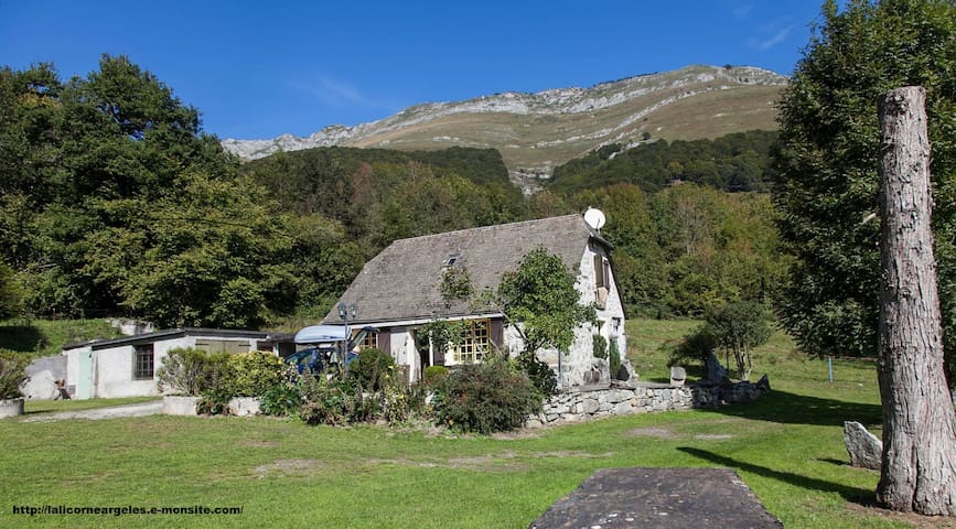 Grange pastorale La Licorne - Salles argeles - House