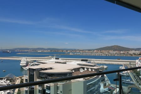 Apartment in the heart of marina - Gibraltar