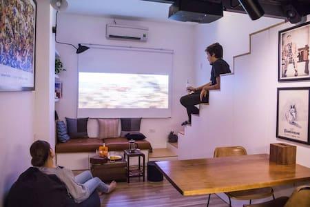 Private Loft Studio Apartment@Close To Everything!