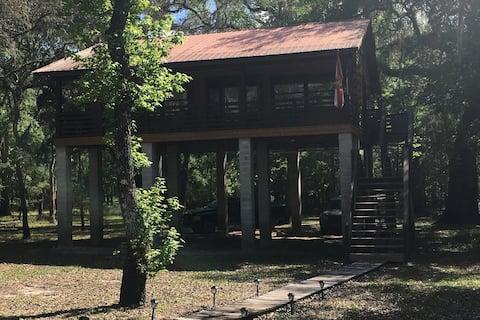 Suwannee River Cypress Cabin Getaway