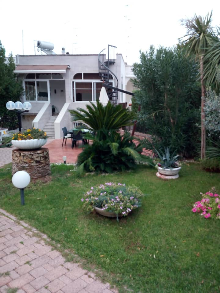 Villa Cristina intera villa con giardino privato