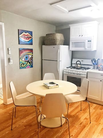 Studio Apartment East Austin