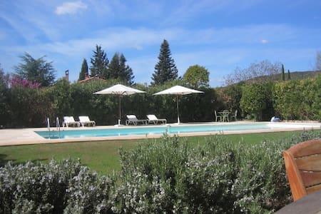 5 Bedroom Villa in Villecroze - Villecroze