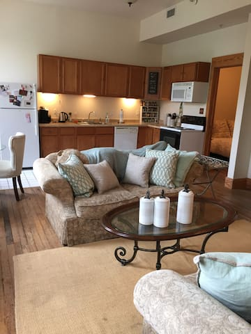 Loft in Heart of Downtown Mobile!! - Mobile - Byt